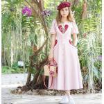 ชุดเดรสยาว สีชมพูน่าร้ากกกๆ แต่งด้วยหัวใจสีแดง