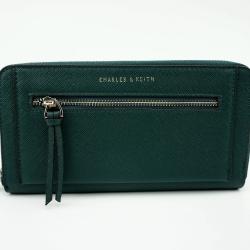 CHARLES & KEITH FRONT ZIP DETAIL WALLET *สีเขียว