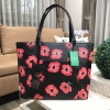 KATE SPADE New York Hyde Lane Poppies Riley Rose Tote Bag *ดำ