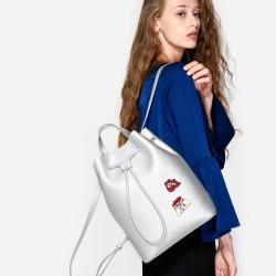 CHARLES & KEITH DRAWSTRING SHOULDER BAG-สีเงิน