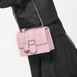 CHARLES & KEITH CHEVRON DETAIL TEXTURED SLINGBAG-ชมพู