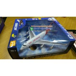 ชุด โมเดล เครื่องบิน เหล็ก AIR TRAVEL ขนาดประมาณ 18 เซนติเมตร มีไฟ มีเสียง ลานวิ่ง **คละสายการบิน**