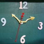 ชุดตัวเครื่องนาฬิกาญื่ปุนเดินเรียบ เข็มลายโมเดิน ขนาดกลาง เข็มสั้น-เข็มยาวสีทอง เข็มวินาทีสีแดง อุปกรณ์ DIY สำเนา
