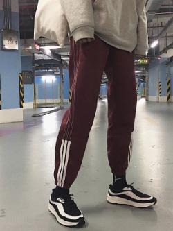 กางเกงขายาวเกาหลี แต่งแถบเส้น จั้มปลายขา มี4สี